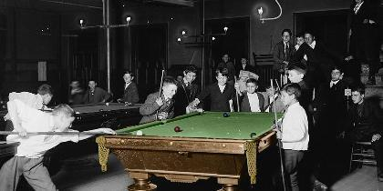 A photo of Cue+Billiard table=? in Athens, Greece